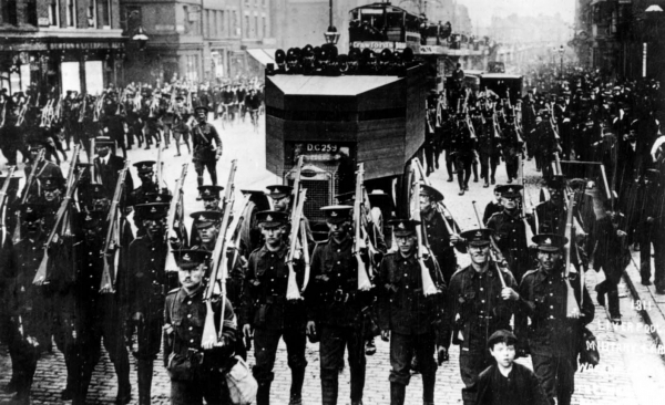 Armored police Liverpool transport strike 1911
